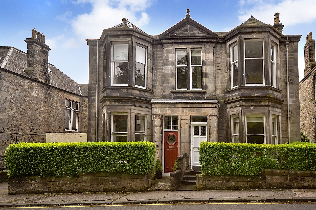 32 Viewfield Terrace, Dunfermline, KY12 7HZ